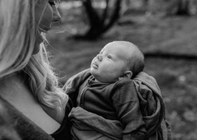 Rhianna Newborn Outdoor Blog (13)
