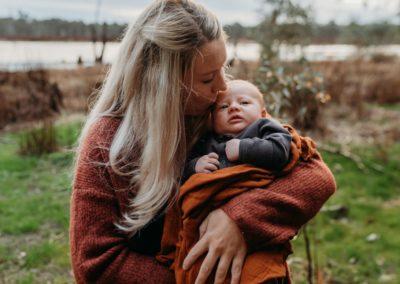 Rhianna Newborn Outdoor Blog (33)