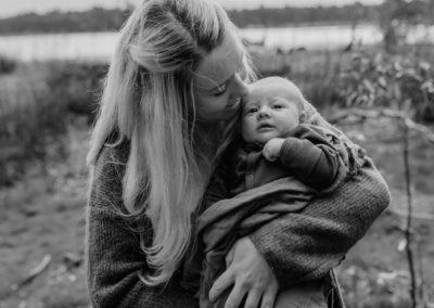 Rhianna Newborn Outdoor Blog (34)