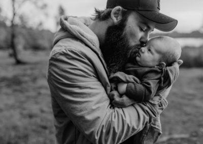 Rhianna Newborn Outdoor Blog (9)